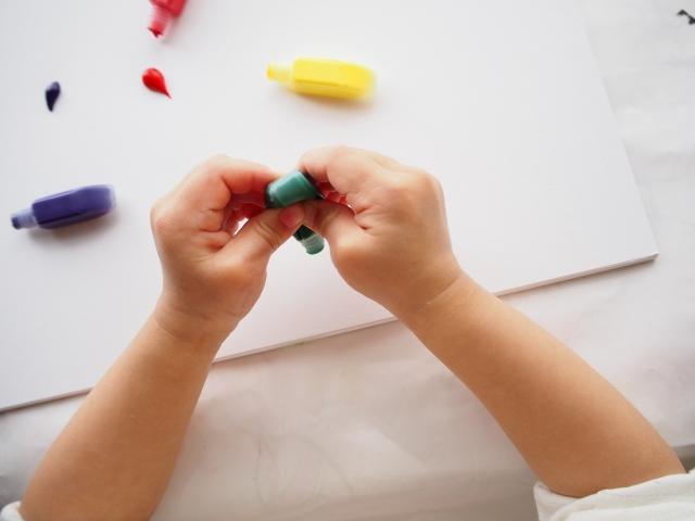 ステイホームでも楽しく!子どもとのおうち時間の過ごし方|アートや工作を楽しむ